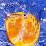74398_czastka_pomaranczy_szklanka_wody